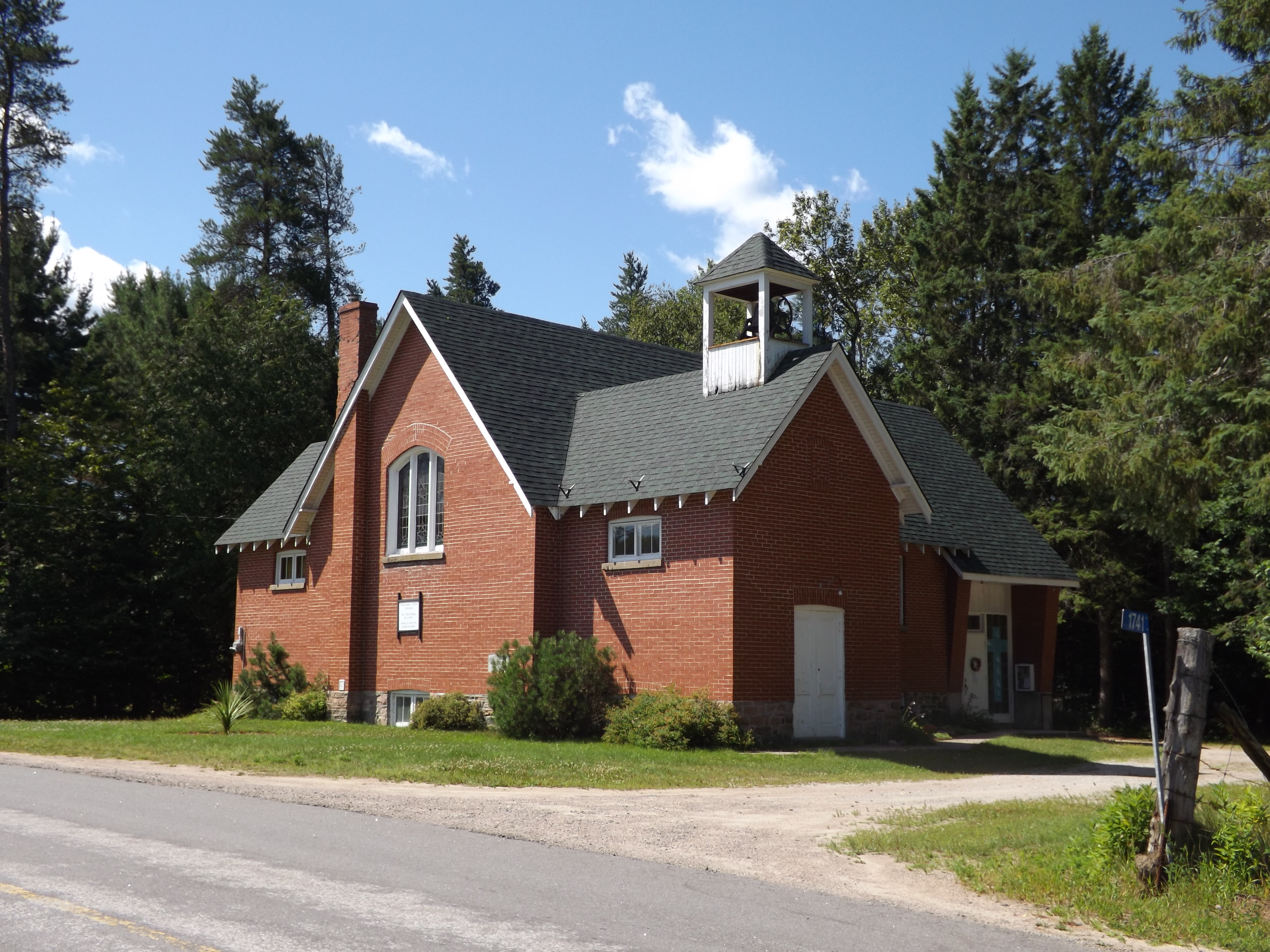 Photo of Ingoldsby United Church in Minden, Ontario, Canada